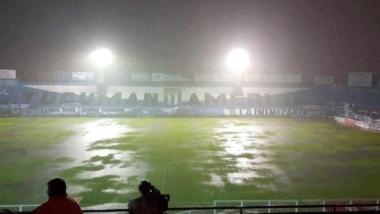Foto- La Lluvia frenó el juego cuando empataban 1 a 1 en el estadio José Fierro..gif