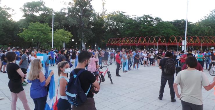 Multitudinaria marcha contra Insfrán por el regreso a la  Fase 1 en Formosa