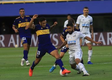 Foto- Partido trabado sin muchas cjhances de gol entre argentinos y brasileños..jpg