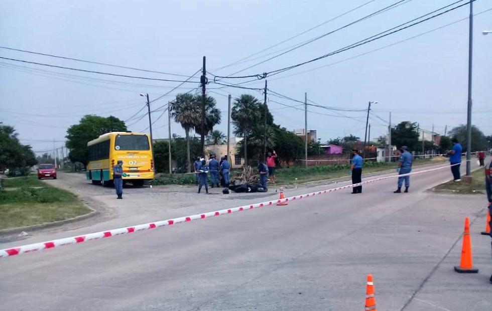 Un motociclista murió en accidente de tránsito con un colectivo urbano