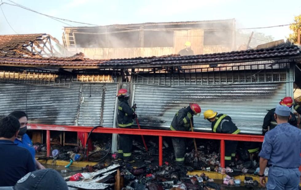 Se incendiaron dos locales en el mercadito paraguayo