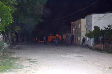Incidentes en barrio Obrero con personal policial lesionados (2).jpg