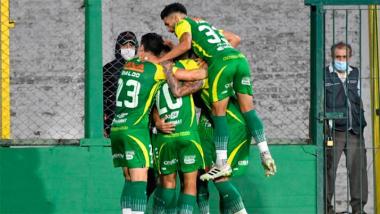 Foto- Defensa y Justicia visita a Coquimbo Unido en el estadio Nacional de santiago..jpg