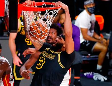 Foto- Lakers ganó el segundo juego ante Heat y sigue firme en la gran final de la NBA..jpg
