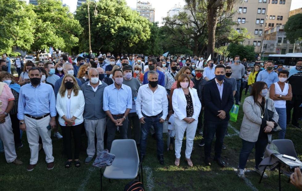 La oposición pide que Alberto Fernández brinde explicaciones en el Congreso y evalúa una presentación judicial