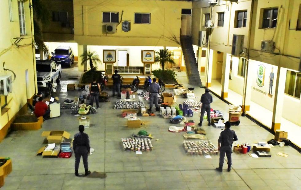 Secuestran mercaderías sin aval  aduanero por más de un millón de pesos