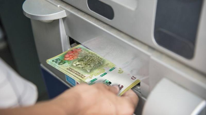 salarios_sueldos_haberes_dinero_plata_cajeros.jpg