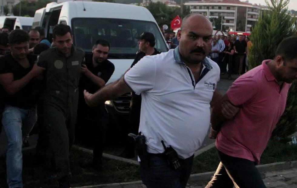 Turquía: cadena perpetua para 337 personas por el intento de golpe de Estado de 2016