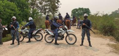 La Polic_a provincial refuerzan la frontera de Clorinda para evitar el ingreso ilegal de personas  (1).jpg