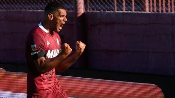 Foto- El correntino José Sand anotó el segundo gol del Granate ante el Halcón de Varela..jpg