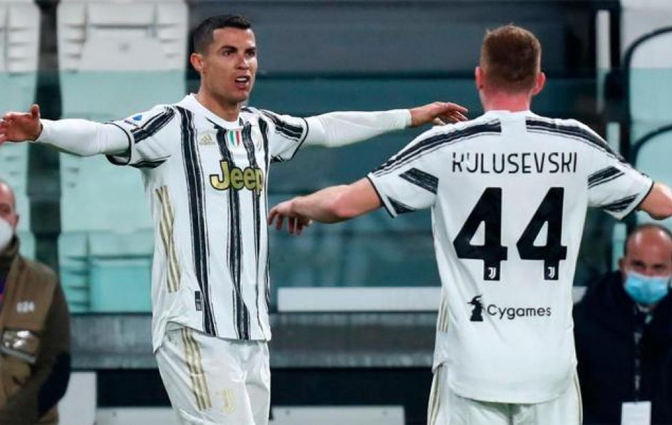 Doblete de Cristiano Ronaldo en la goleada de Juventus