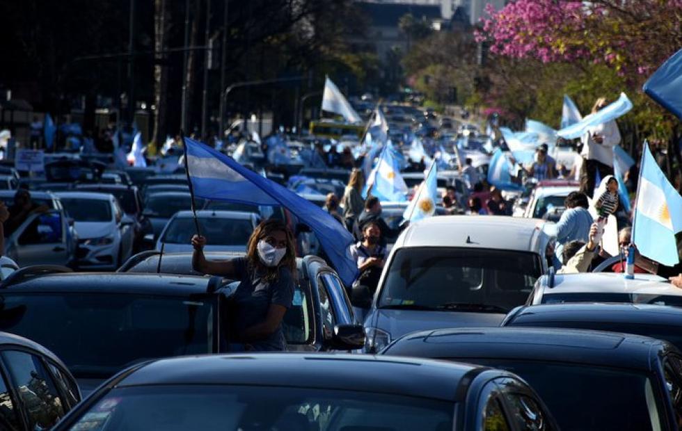 Fuertes movilizaciones contra el Gobierno en el centro porteño y distintas ciudades del país