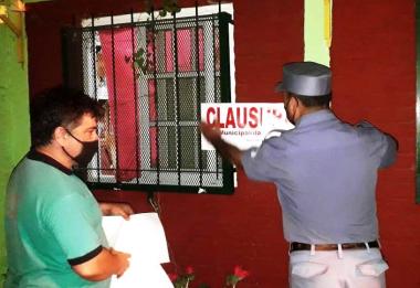 Durante el fin de semana La  Polic_a clausur_ 21 fiestas privadas y nueve comercios que infring_an la cuarentena. ..jpg