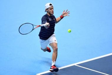Foto- El Peque no pudo ante el número uno del mundo en el Masters de Londres..jpg