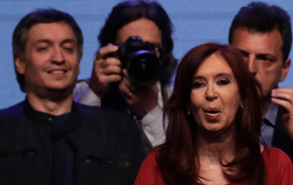 Máximo y Cristina quieren, pero no pueden