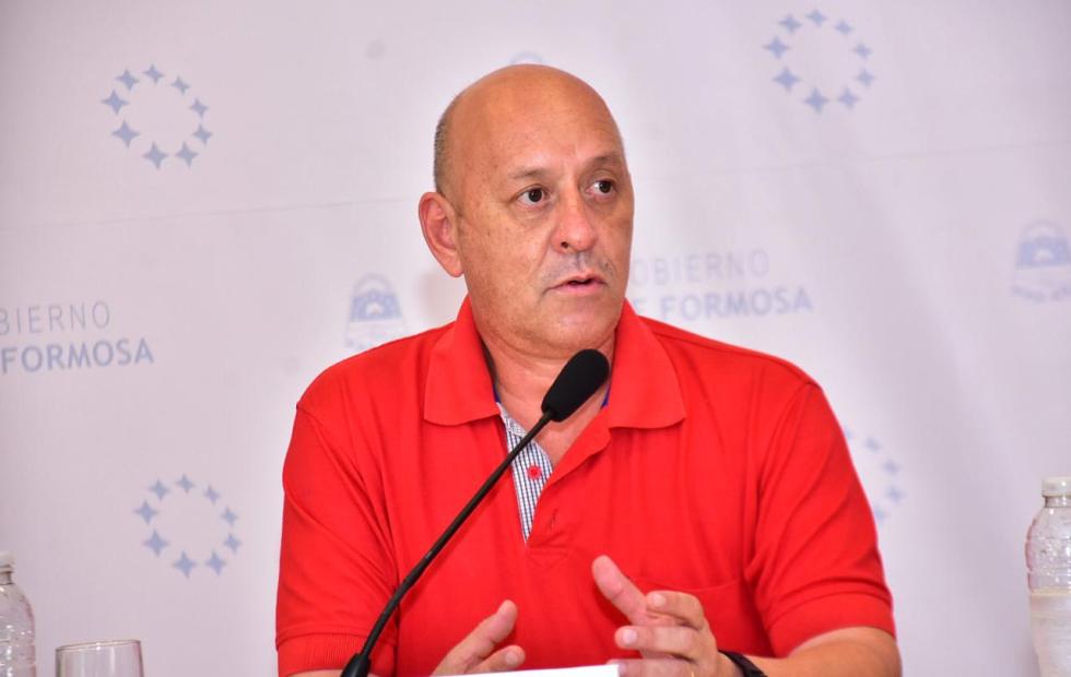 Los casos positivos de la ciudad corresponden  a contactos estrechos, confirmó Romero Bruno
