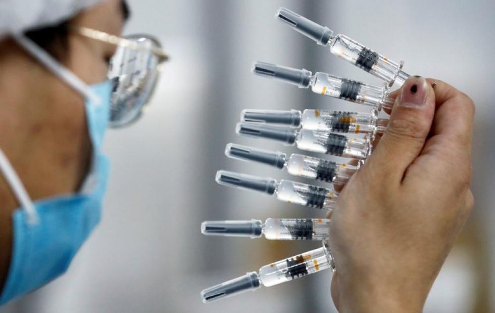 Plan de vacunación europeo: la escasez de dosis,  un motivo que amplía la base de euroescépticos