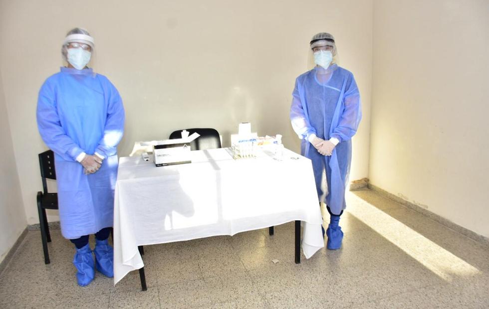El Hospital 2 de Abril comenzó a hisopar a trabajadores esenciales con vistas a viajes