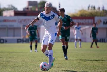 Foto- Vélez venció a Sarmiento en Junín y lidera la zona 2 de la Liga Profesional.jpg