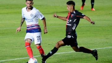 Foto- Colón se quedó con un gran triunfo ante San Lorenzo en el estadio Brigadier López..jpg