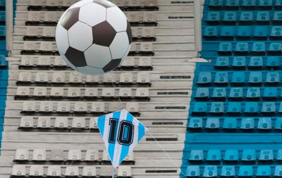 Emoción absoluta en el primer homenaje a Maradona en la Liga Profesional