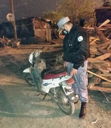 En las _ltimas horas, la Polic_a recuper_ dos motocicletas. Hay un hombre detenido.jpg