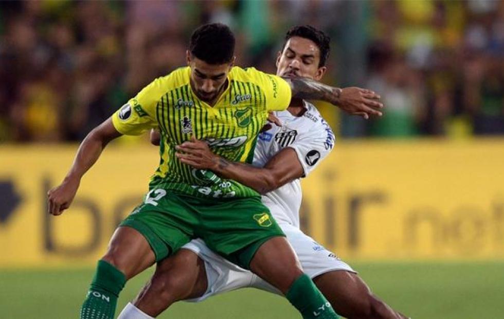 Defensa y Justicia se juega la clasificación ante Santos en Brasil