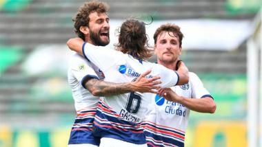 Pag 12 Foto 1- San Lorenzo venció a Aldosivi.jpg