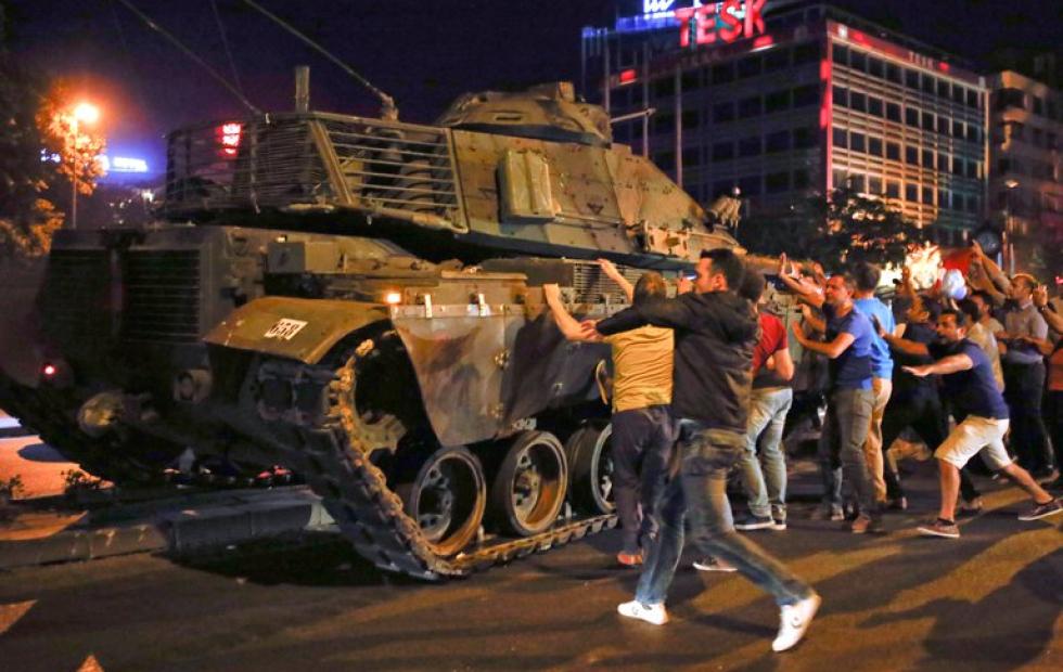 La justicia de Turquía condenó a cadena perpetua a 337 acusados del  intento de golpe de Estado contra Recep Tayyip Erdogan en 2016