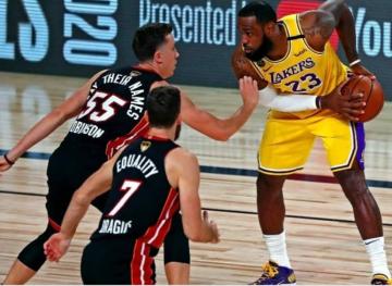 Foto- Lakers y Heat vuelven a medir fuerzas en la gran final de la NBA..jpg