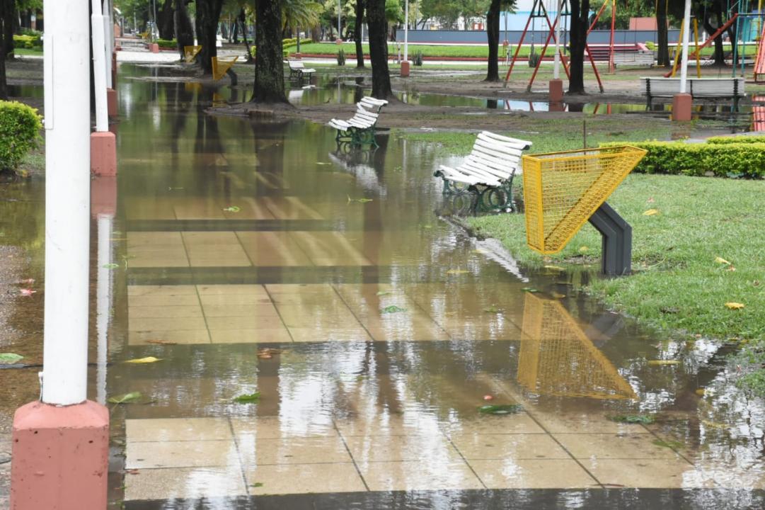 plaza inundada.jpg