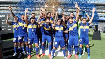 Foto- Boca levantó el trofeo de la Superliga Argentina en la previa del encuentro ante el Granate.jpg