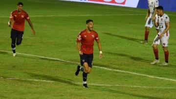 Foto- Insaurralde anotó el único tanto del partido en el complemento..jpg
