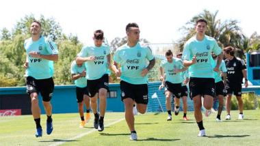 Foto- Argentina viajó a Lima y tiene todo listo para defender el segundo puesto de las eliminatorias..jpg
