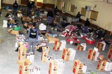 Secuestro mercaderia en El Mangal (2).jpg