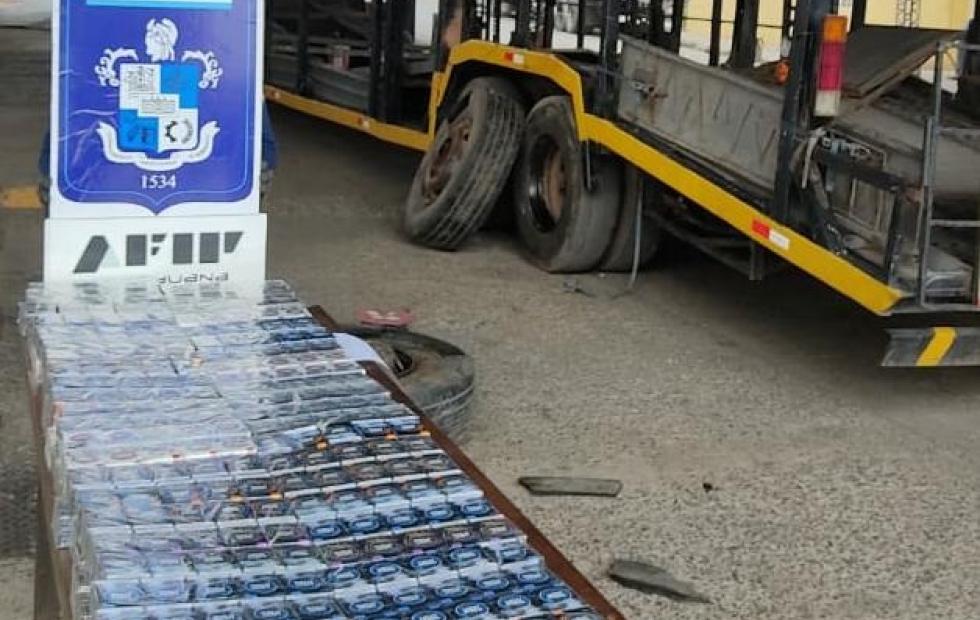 La Aduana detecta cigarrillos que intentaban ser ingresados de forma ilegal en camión internacional