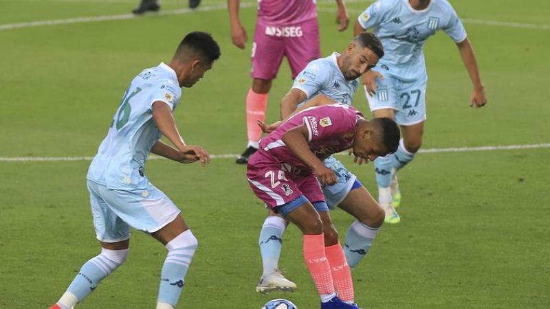 Foto- Tercera caída consecutiva de Racing en la Copa de la Liga Profesional..jpg