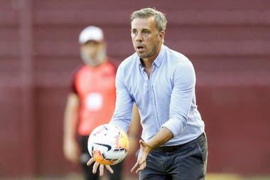 Foto- Lucas Pussineri no seguirá como entrenador del Rojo de Avellaneda..jpg